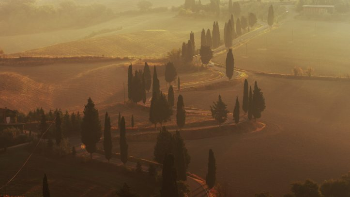 winding roads in Italy